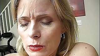 Mature unexperienced has an orgasm