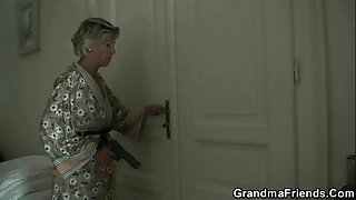 Young robbers wake up mature lady