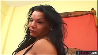 Busty mature tranny Flelucia ass-fuck with insane dude