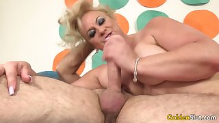 Horny Grandfather Has Hot Mature Sex with Chubby Floozy Summer